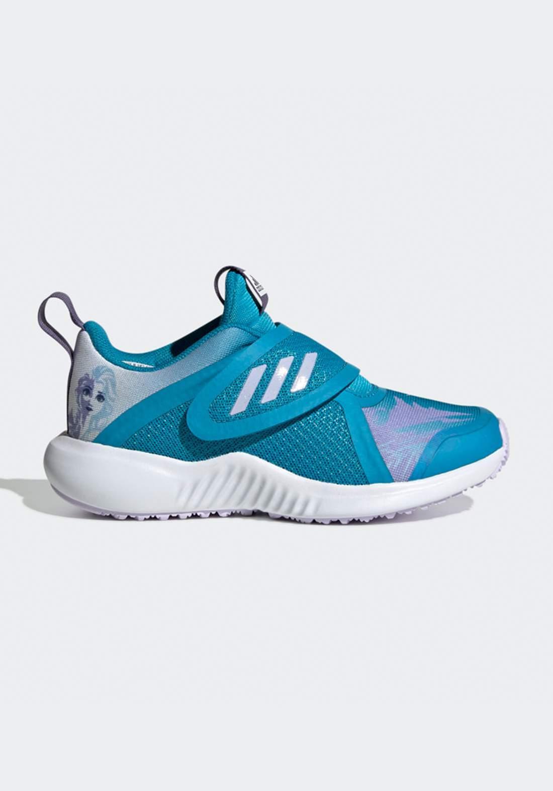 حذاء رياضي بناتي ازرق اللون من أديداس