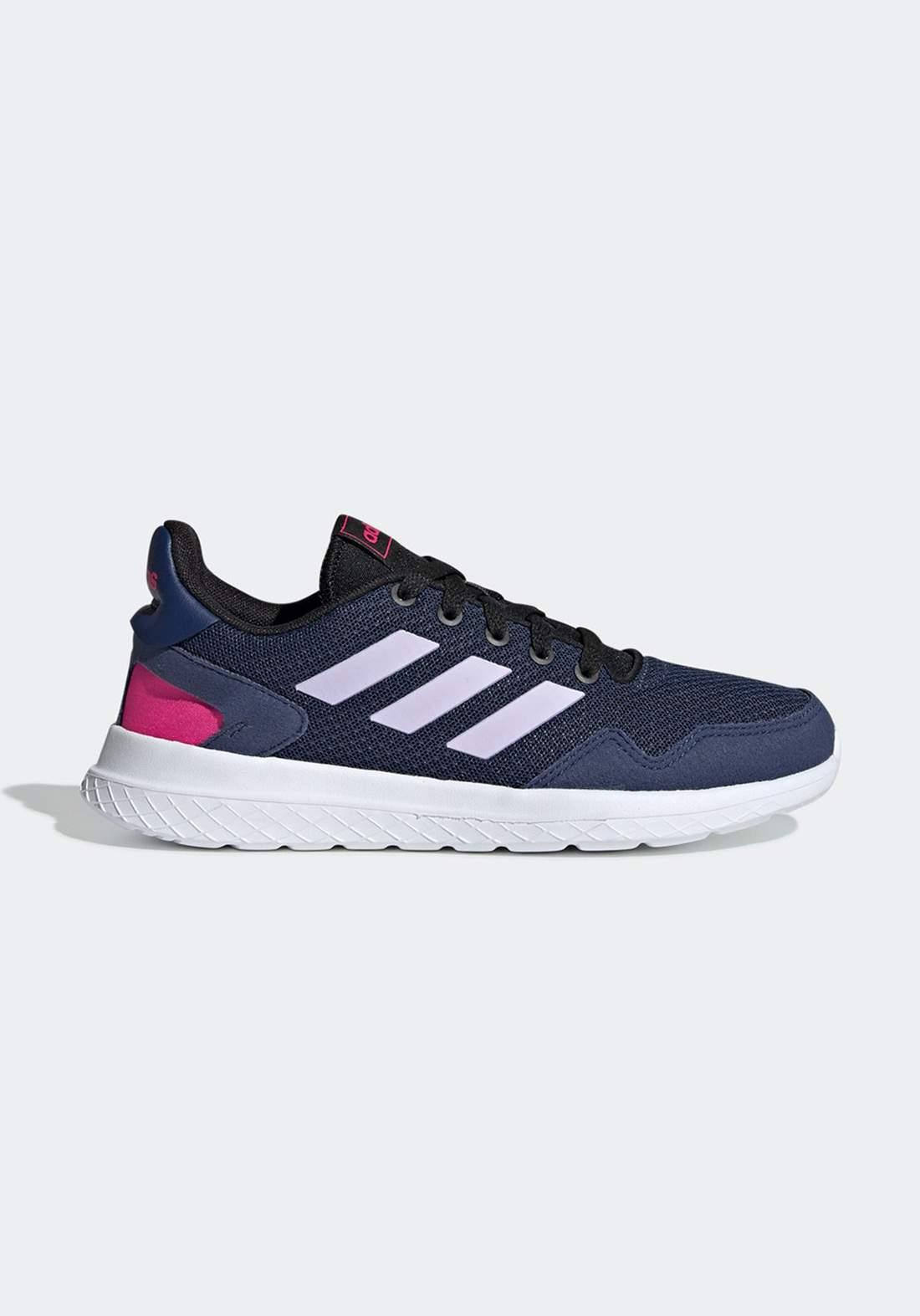 حذاء رياضي للاطفال ازرق و ابيض اللون من أديداس