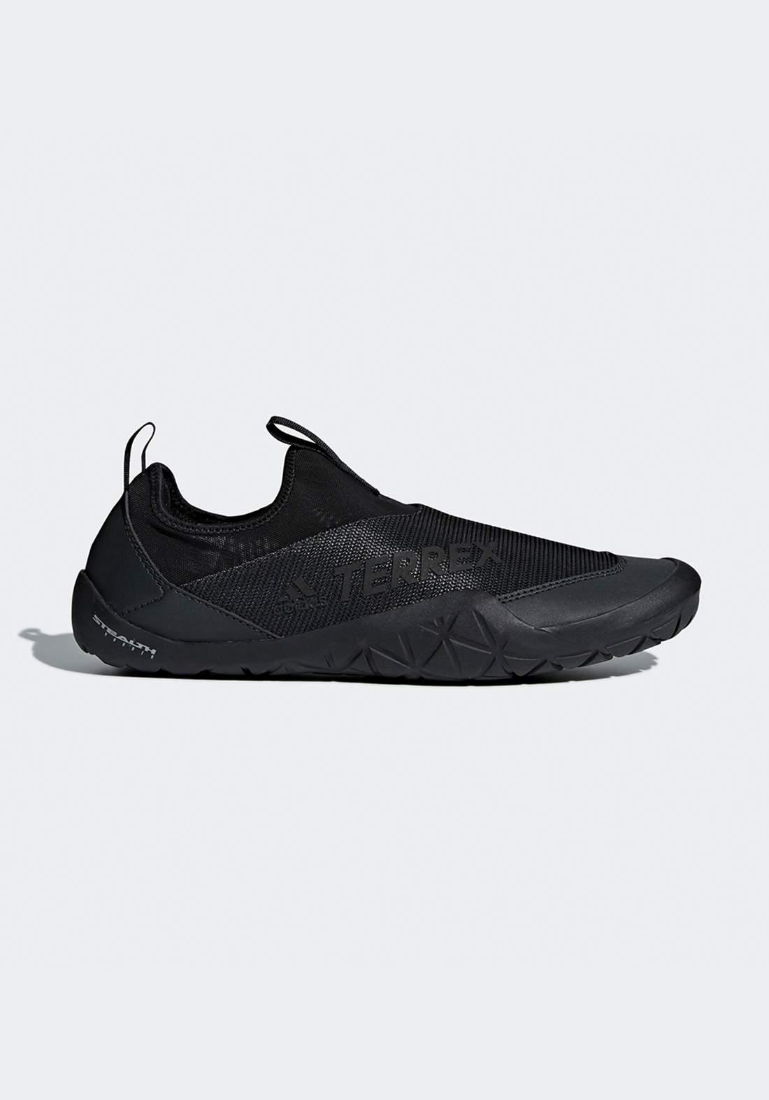 حذاء رياضي نسائي اسود اللون من أديداس