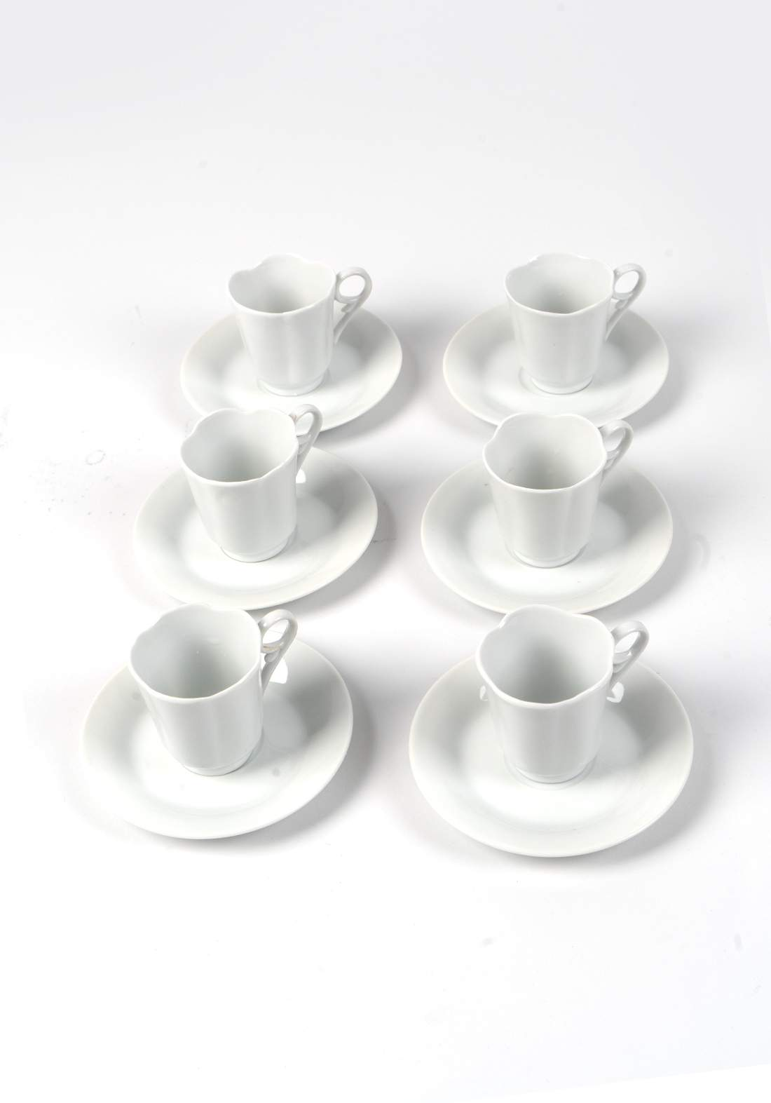طقم فناجين قهوة مع صحون مكون من 6 قطع ابيض اللون