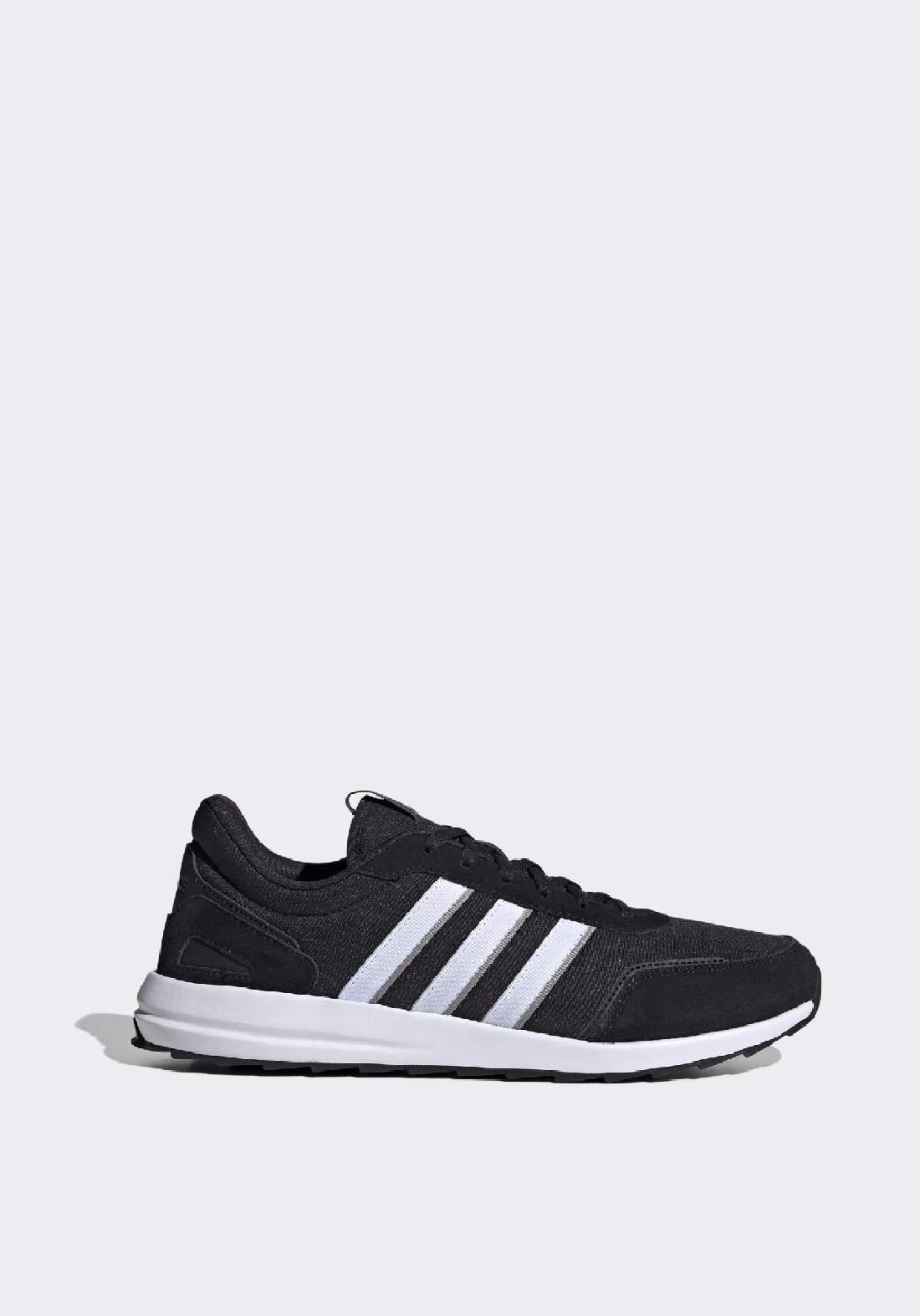Adidas حذاء رجالي رياضي اسود اللون من
