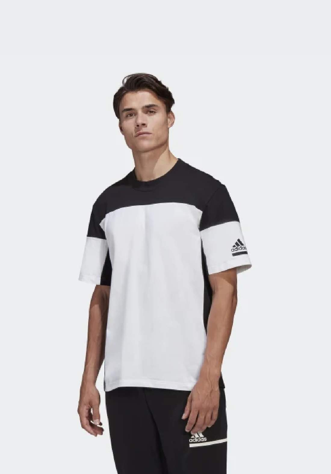 Adidas تيشيرت رجالي رياضي متعدد الالوان من