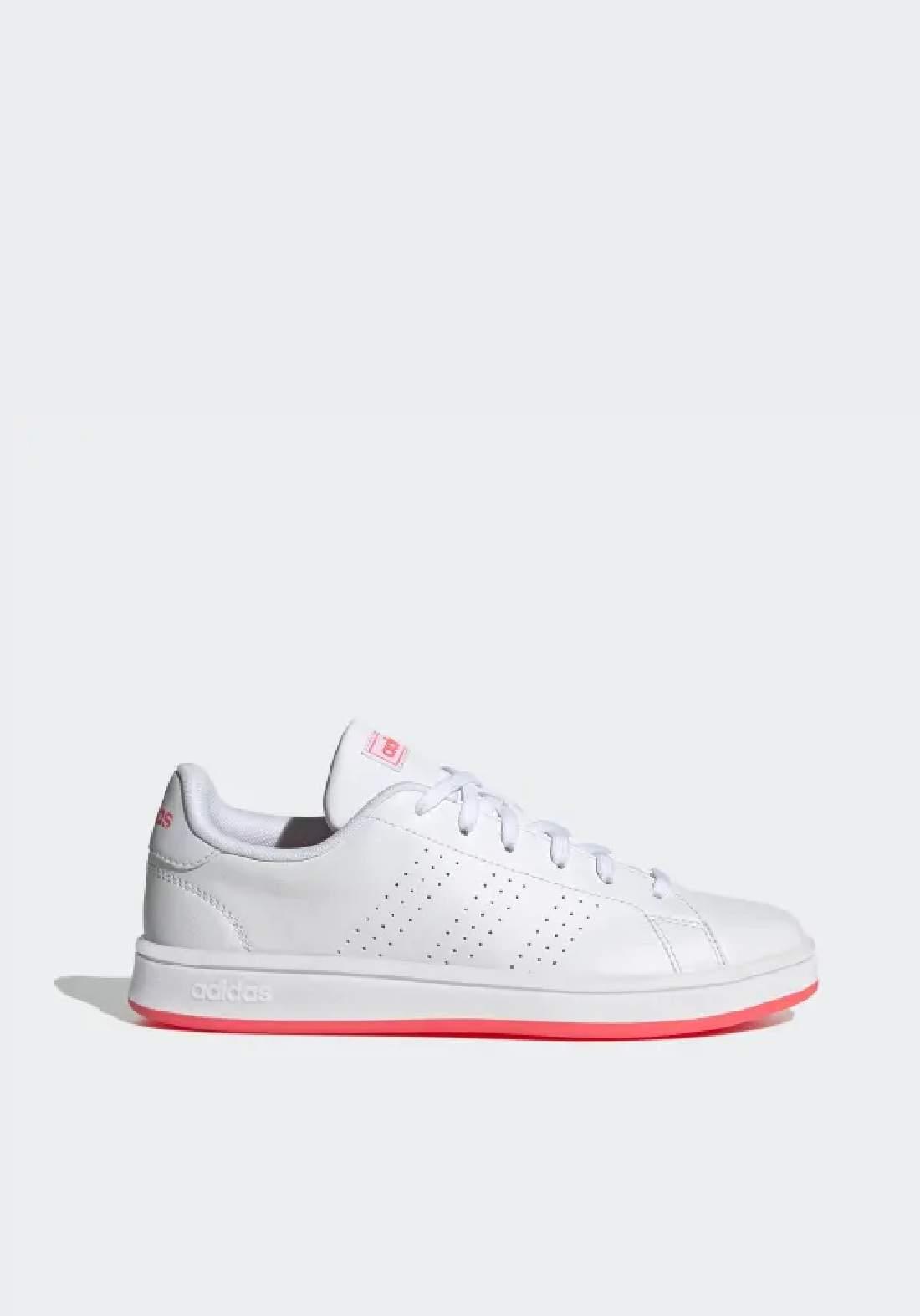 Adidas حذاء نسائي رياضي  ابيض اللون من