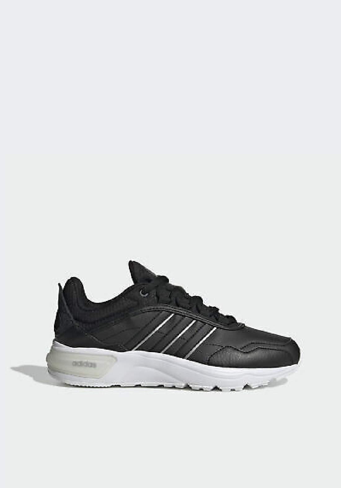 Adidas حذاء نسائي رياضي اسود اللون من