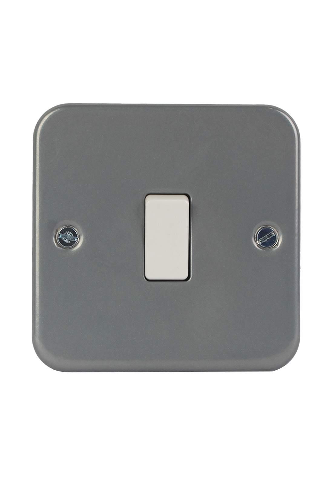 Bg MC512 Switch 10A مفتاح كهربائي (بلك)