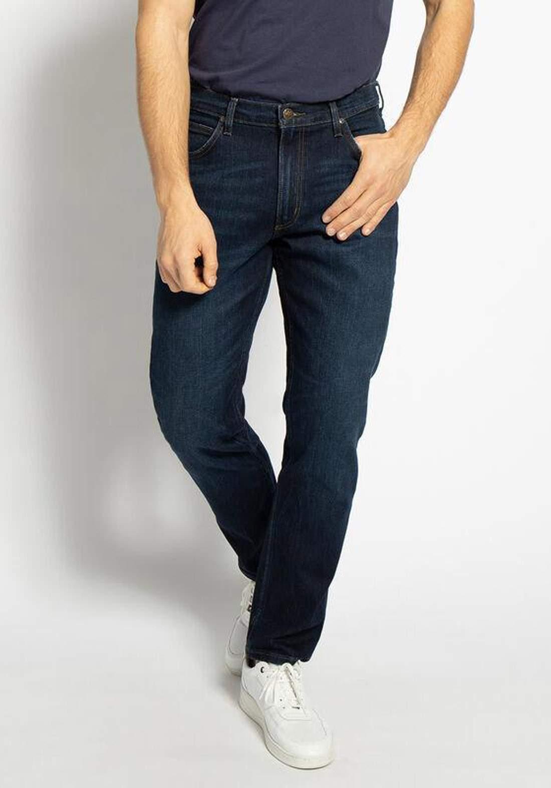 بنطلون جينز رجالي نيلي اللون من Lee