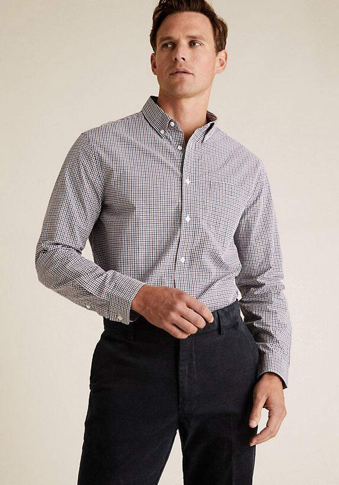 قميص رجالي بأكمام طويلة  من Marks and Spenser