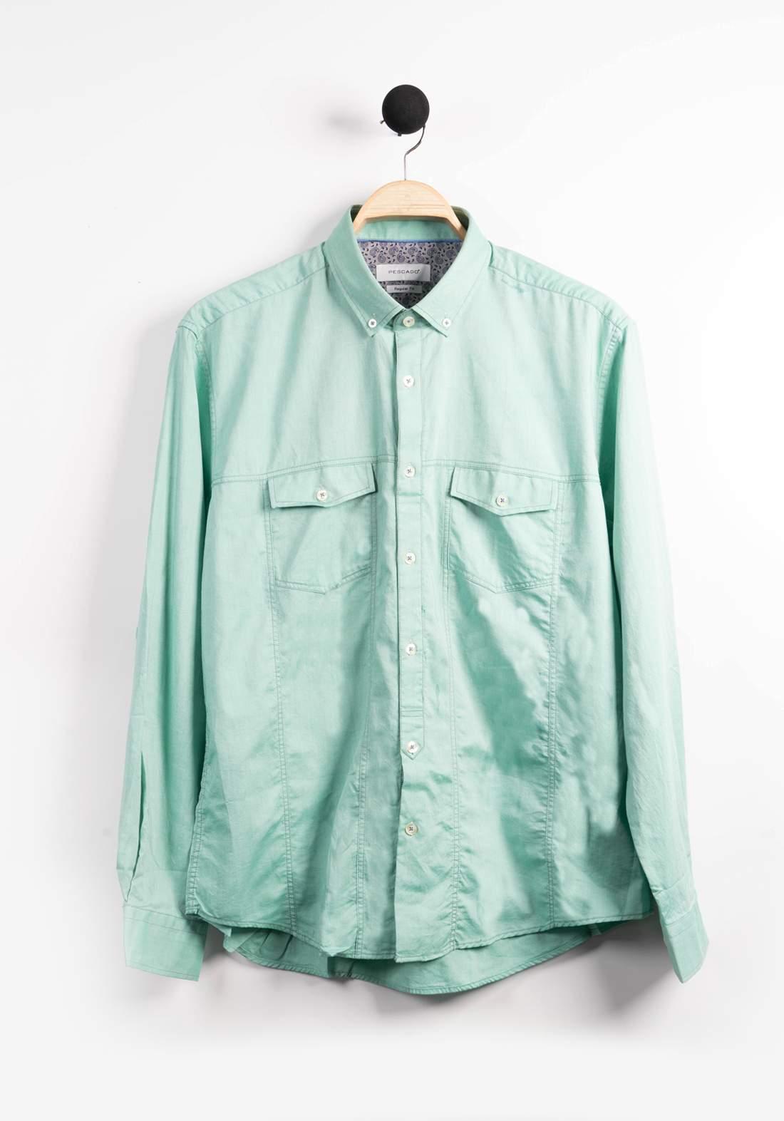 قميص رجالي اخضر اللون