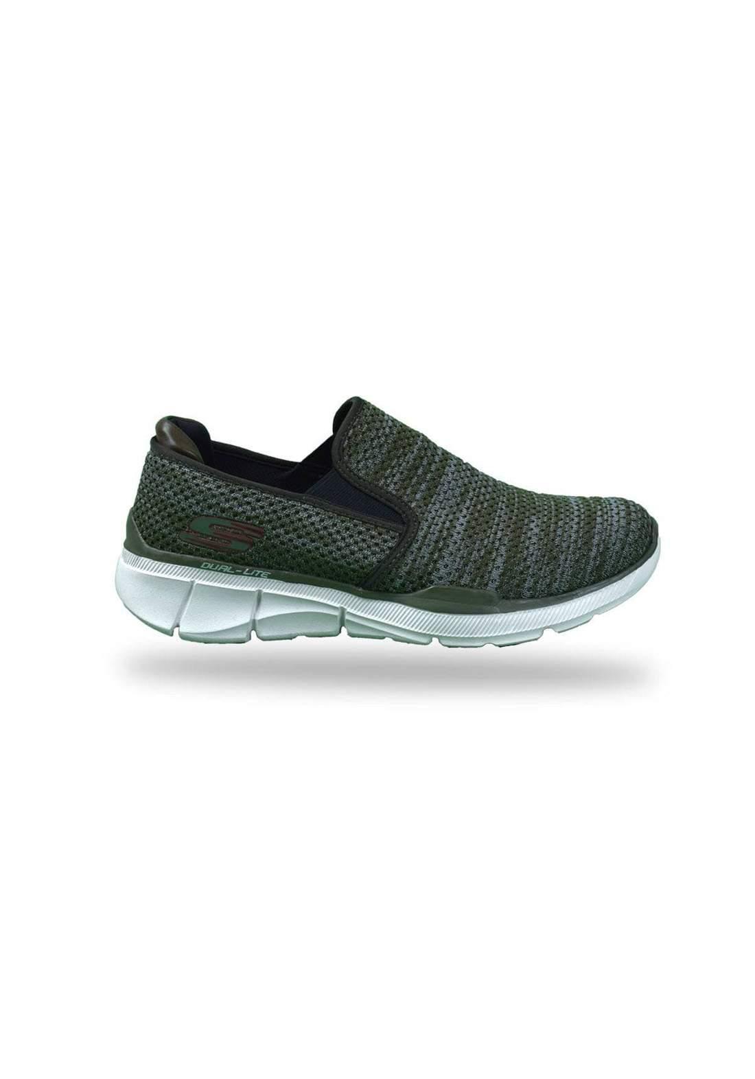 حذاء رياضي زيتوني اللون من skechers
