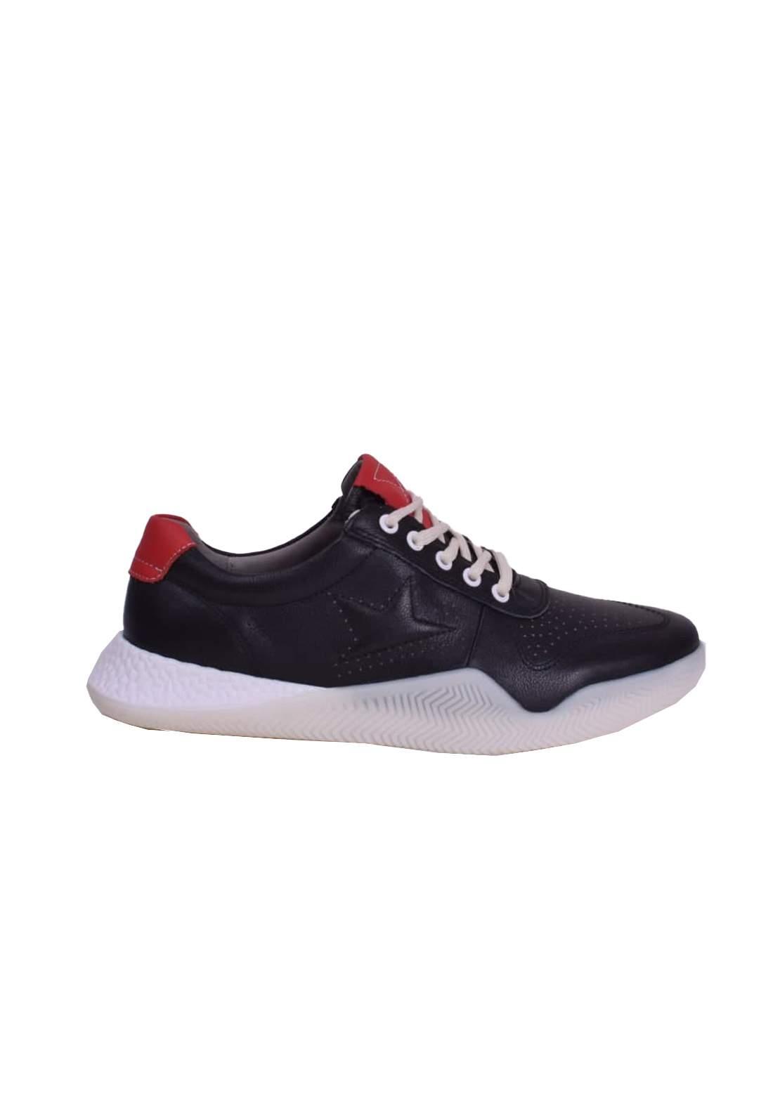 حذاء رياضي اسود اللون من Ecco