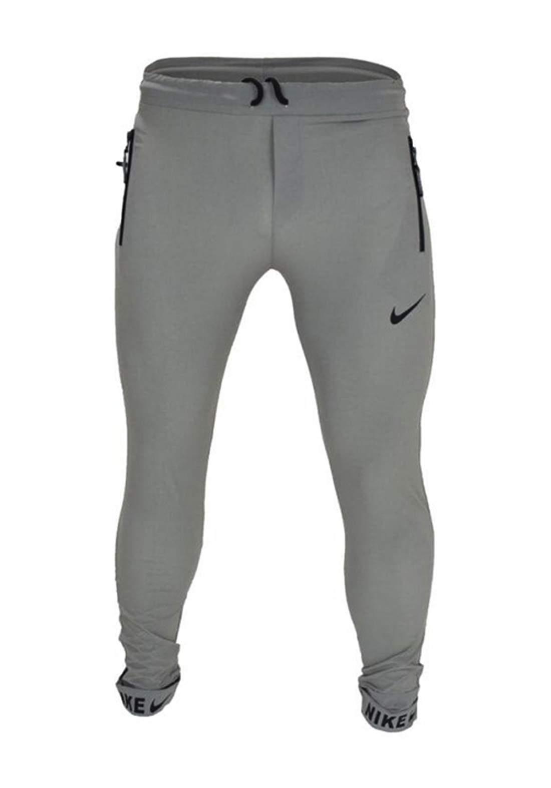 بجامة رياضية رصاصي أللون من Nike