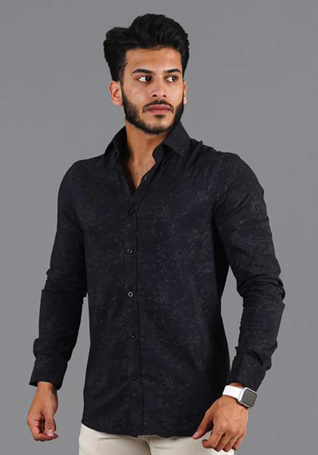 قميص رجالي بأكمام طويلة أسود اللون