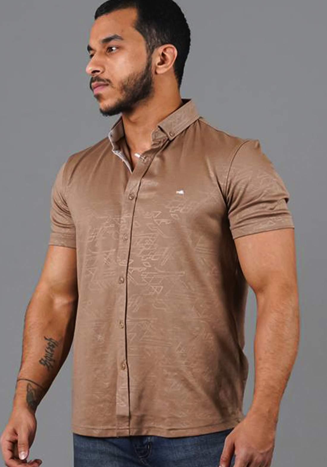 قميص رجالي بنصف كم بيجي اللون