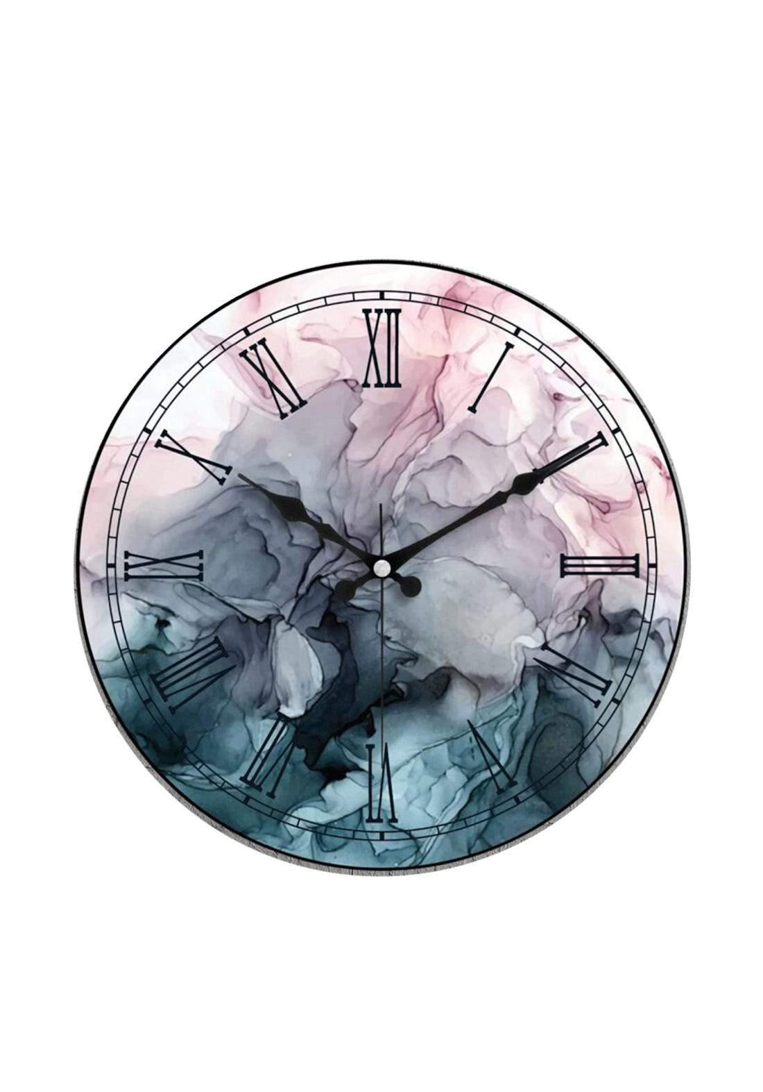 ساعة جدارية بتصميم عصري