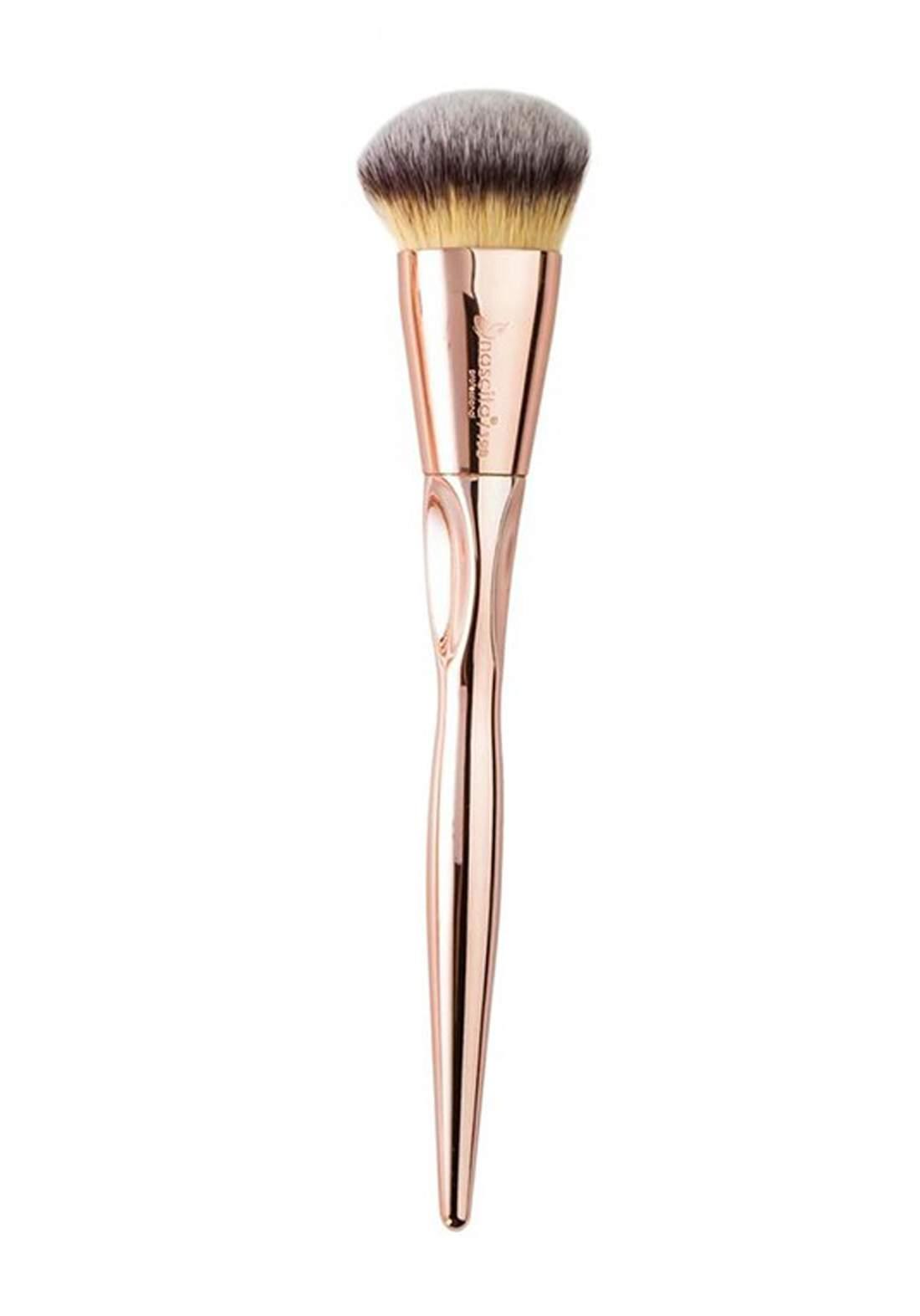 Nascita 0198 Bronzy Glow Contour Brush  فرشاة كونتور