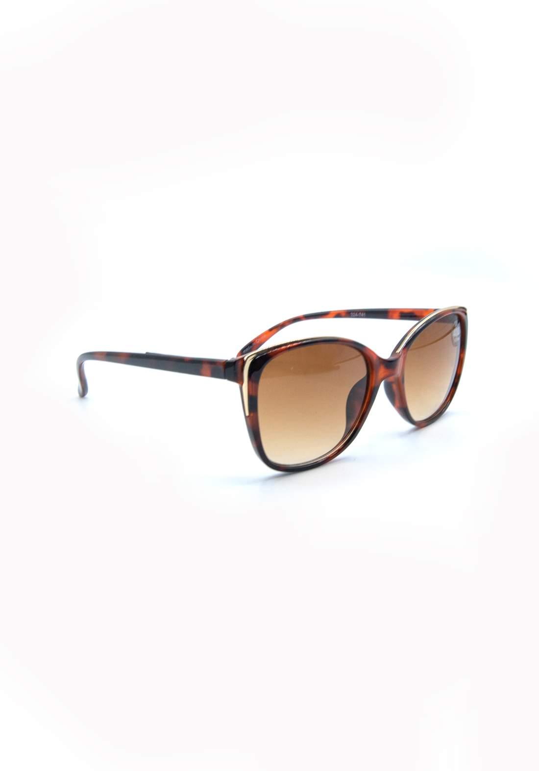 نظارة شمسية نسائية بأطار بني اللون