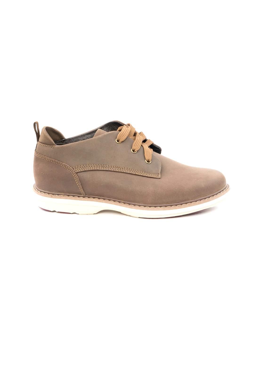 حذاء رجالي بني اللون من Carwil