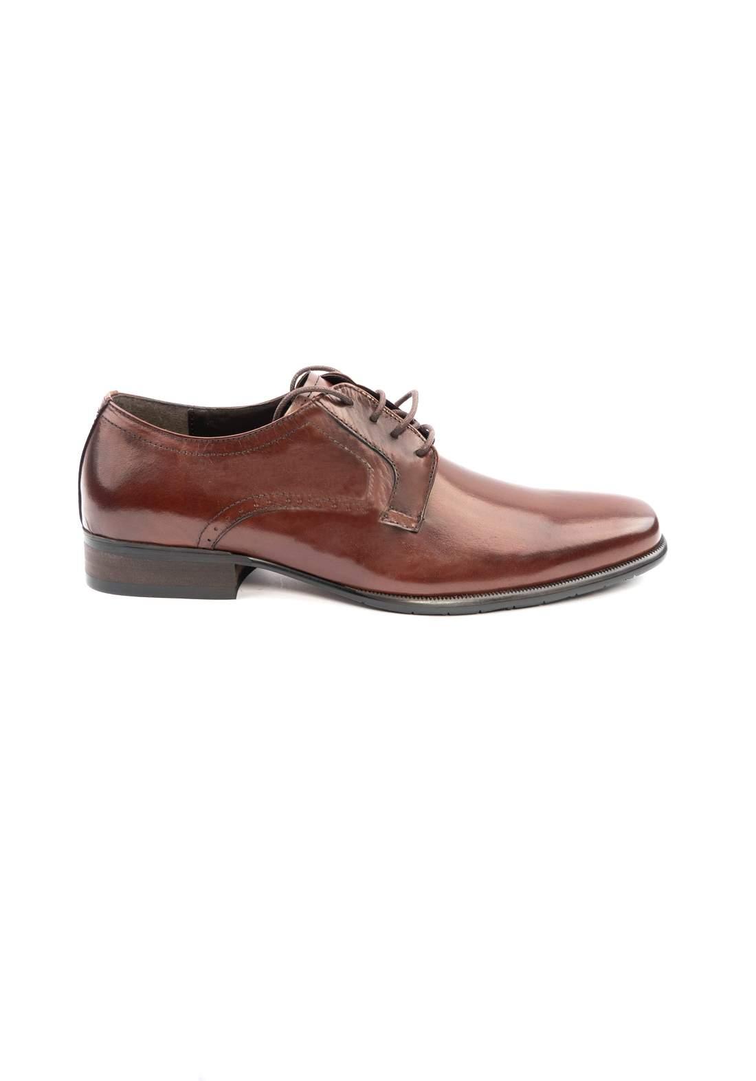 حذاء رجالي بني اللون من Redwood