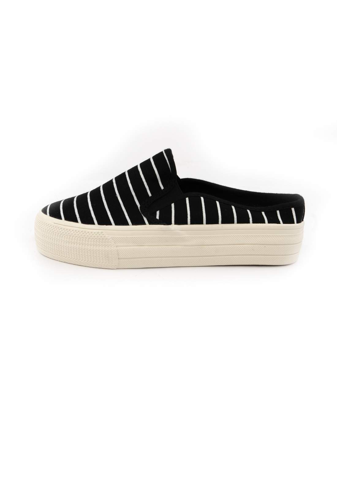 حذاء نسائي قماش أسود اللون