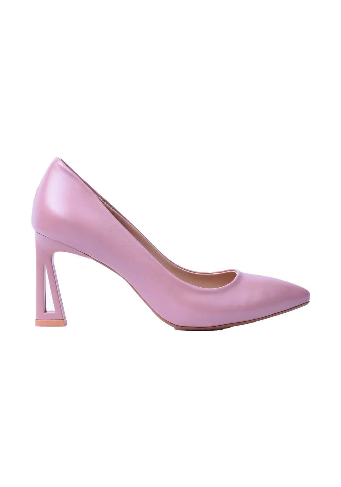 حذاء نسائي جلد وردي اللون
