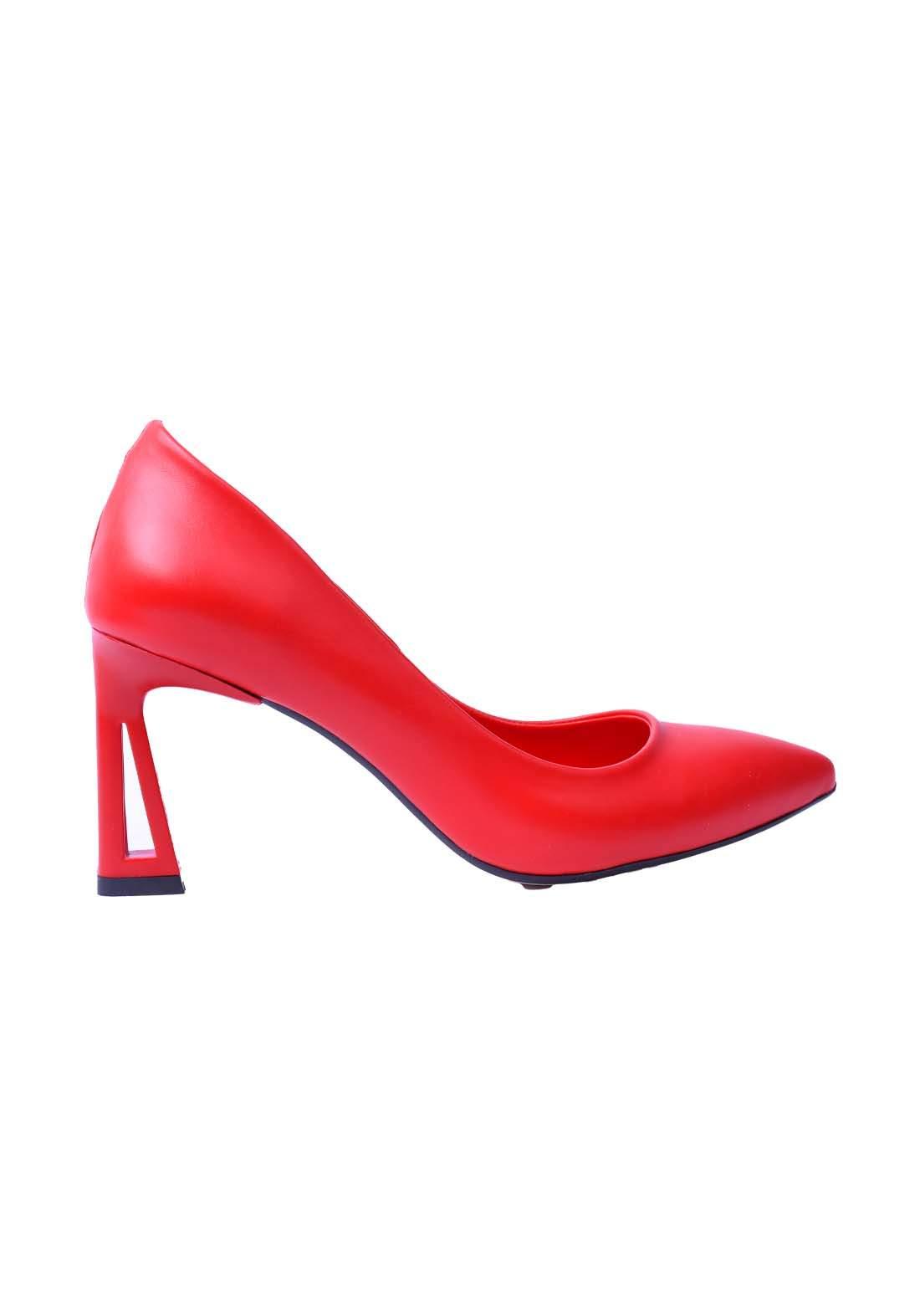 حذاء نسائي جلد احمر اللون