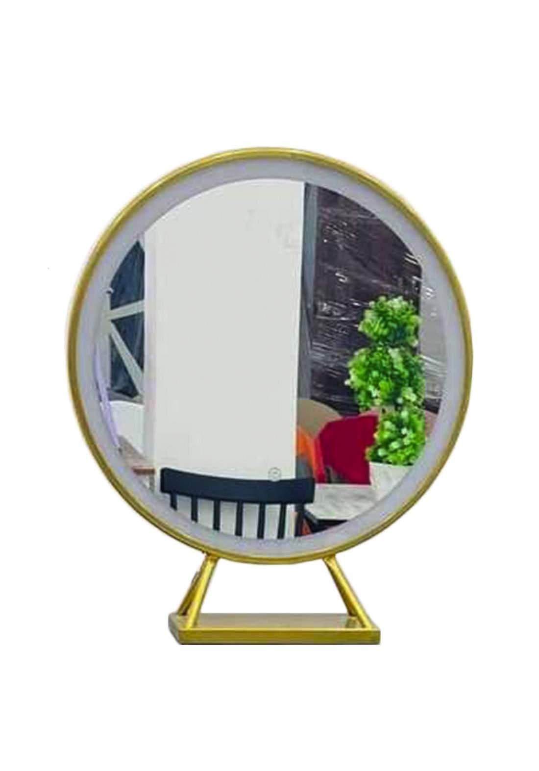 مرآة ذهبية أللون مع اضاءه  من سامبا هوم