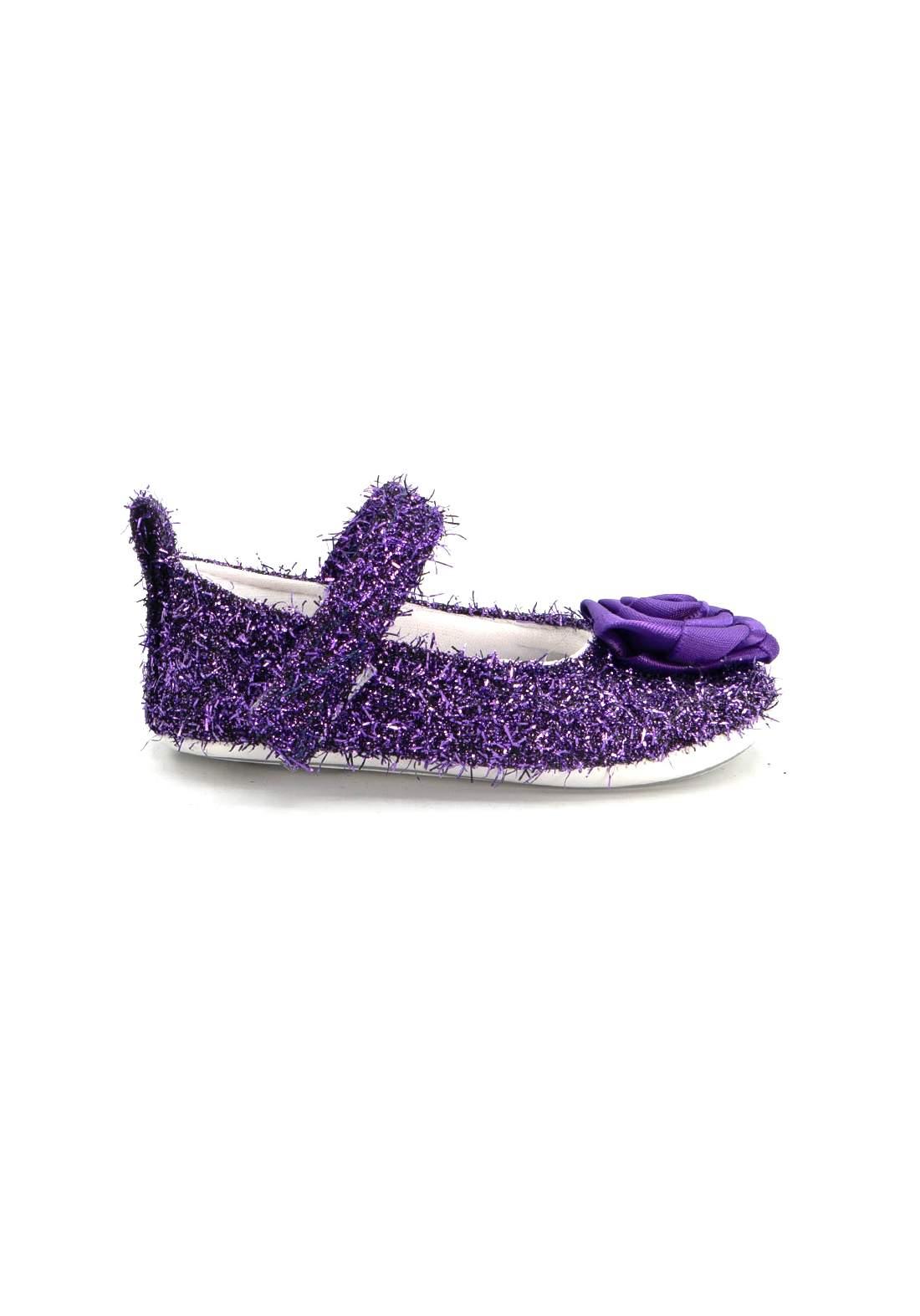 حذاء اطفال بنفسجي اللون