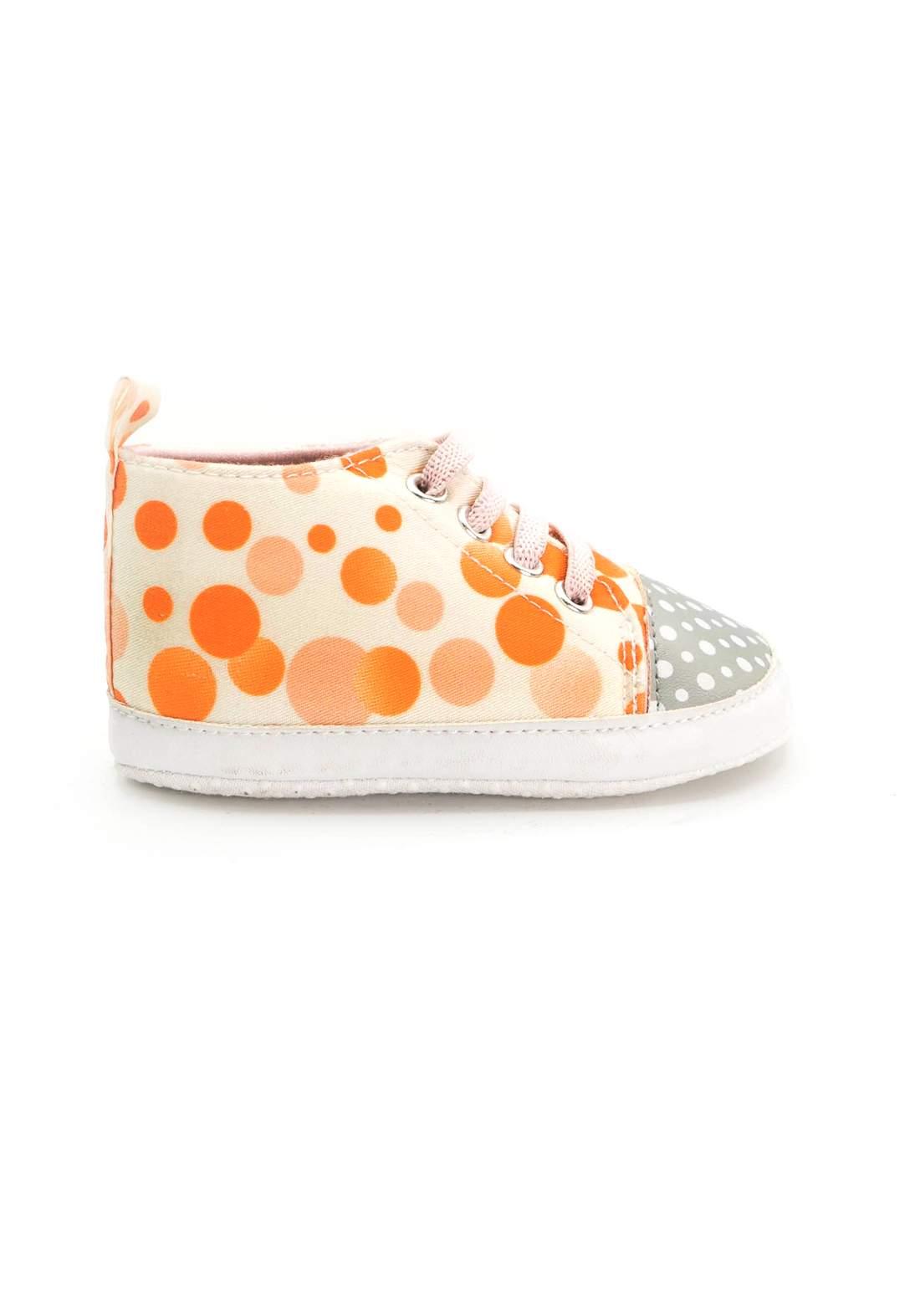 حذاء اطفال برتقالي اللون