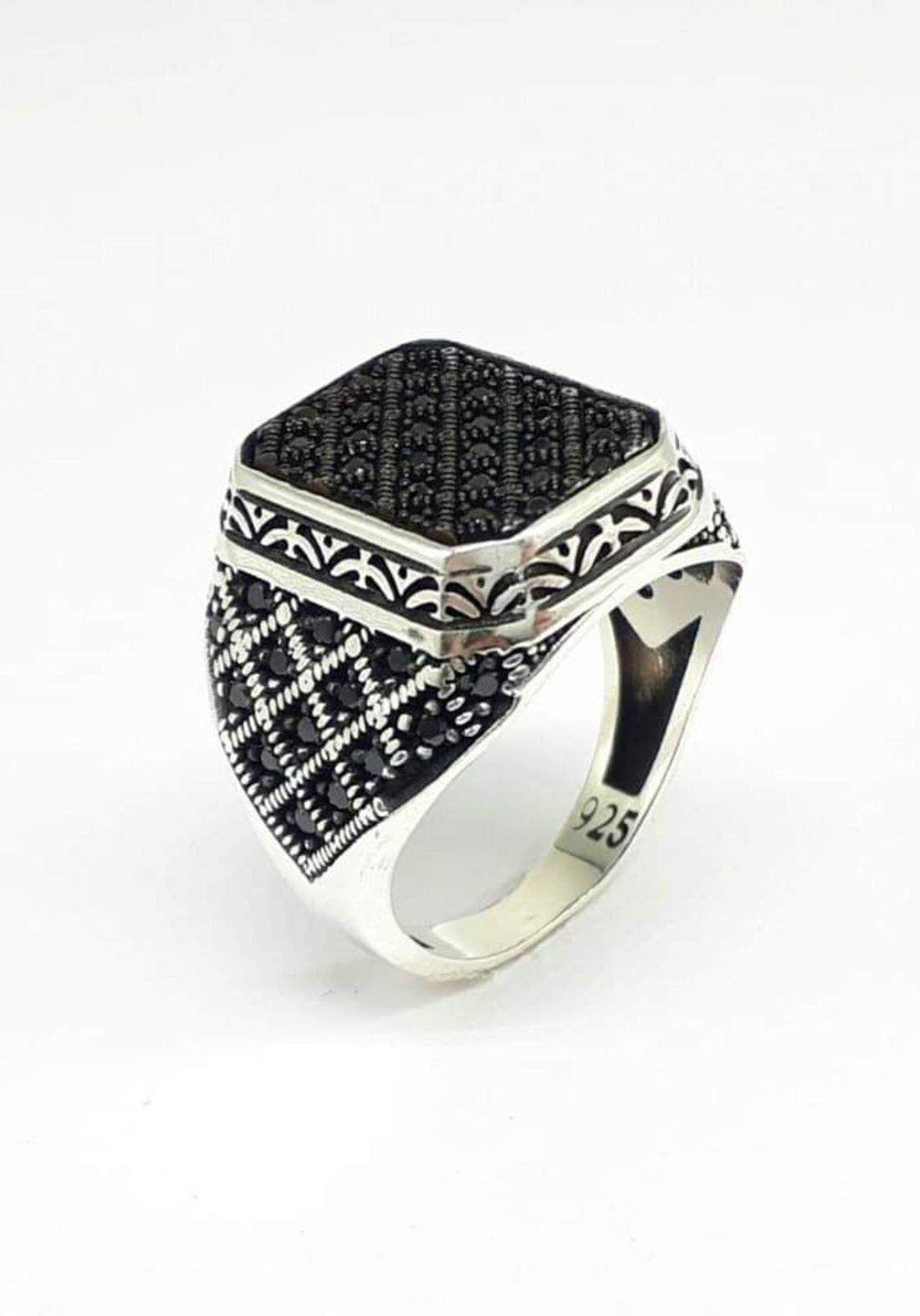 خاتم رجالي  فضة عيار 925  مشبك بفصوص سوداء اللون صياغة تركية