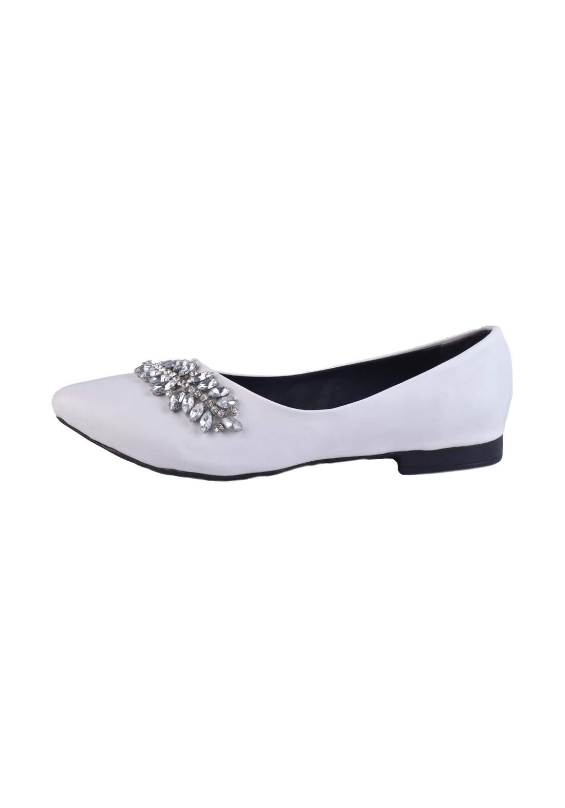 حذاء نسائي  ابيض اللون