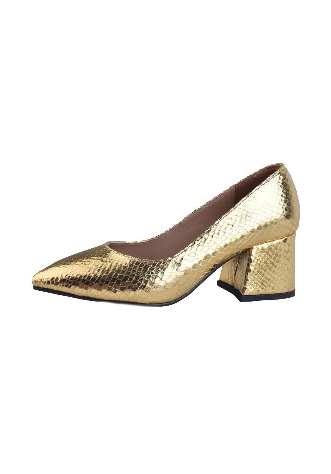 حذاء كعب نسائي ذهبي اللون