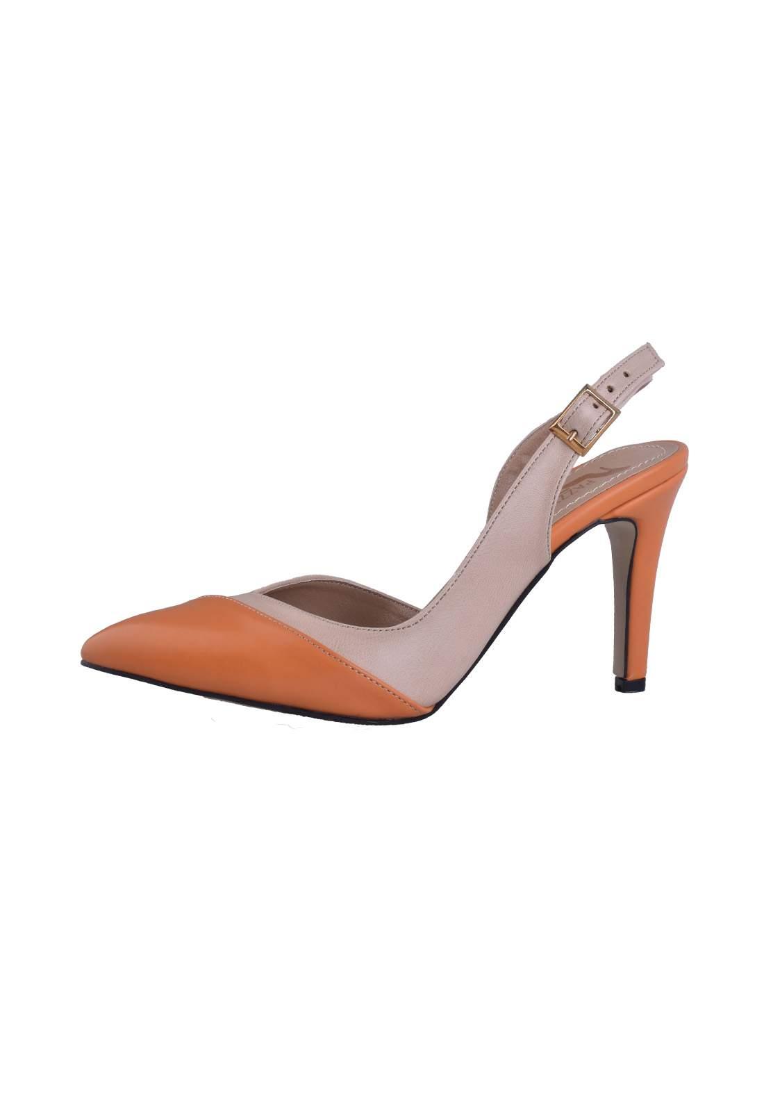 حذاء كعب نسائي باللون البرتقالي والبيجي