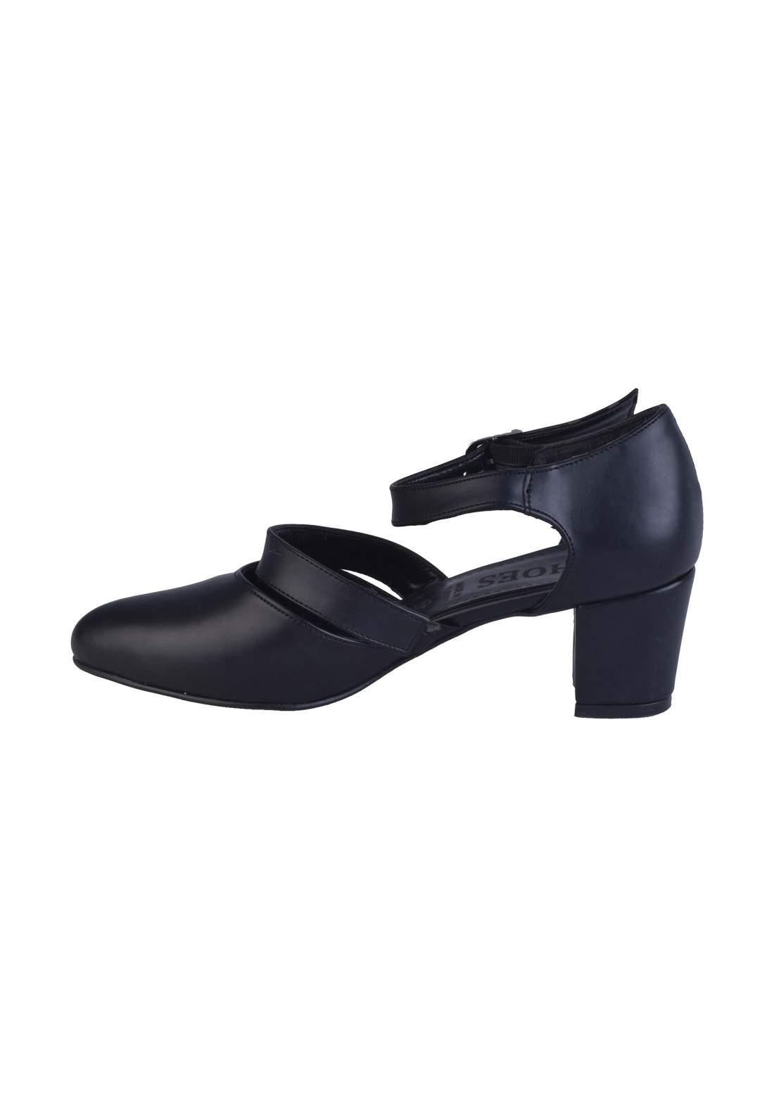 حذاء كعب نسائي اسود اللون