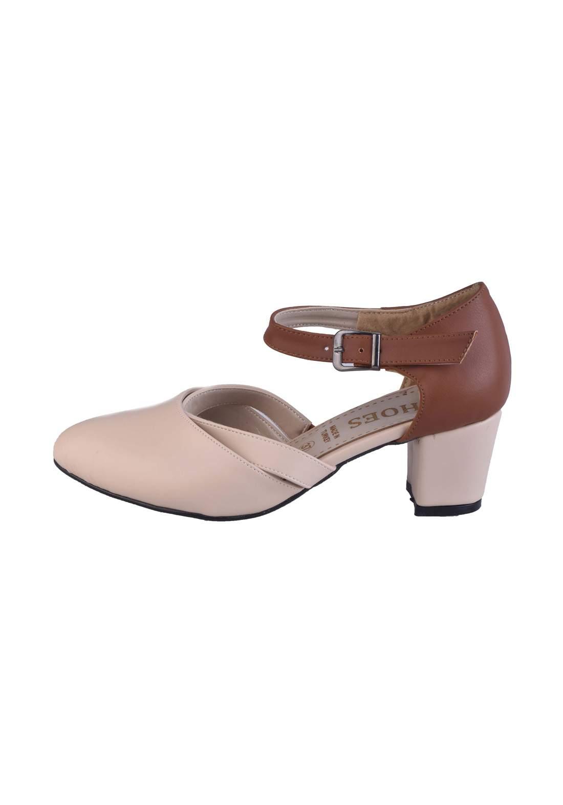 حذاء كعب نسائي بيجي اللون