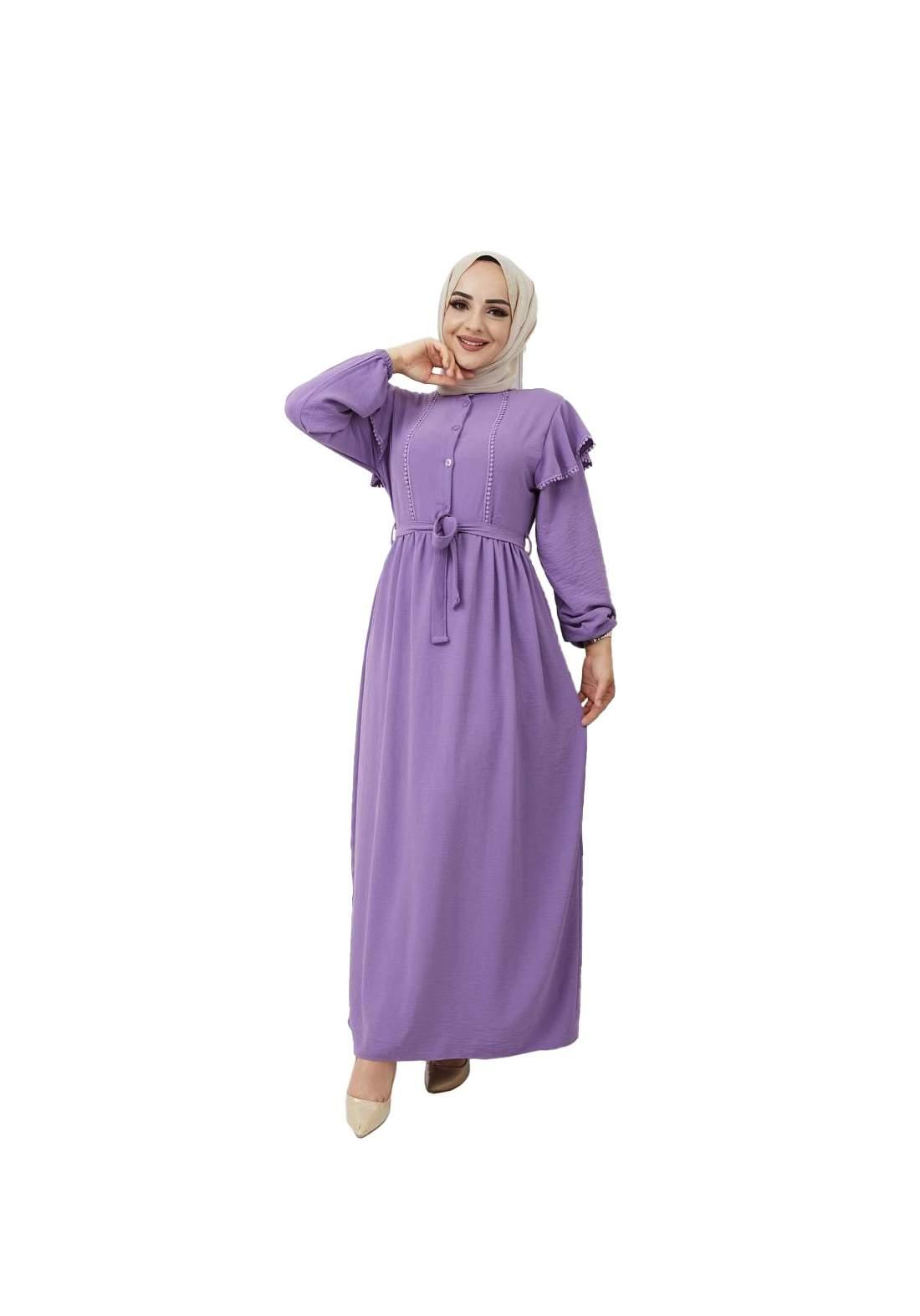 فستان نسائي طويل بنفسجي اللون