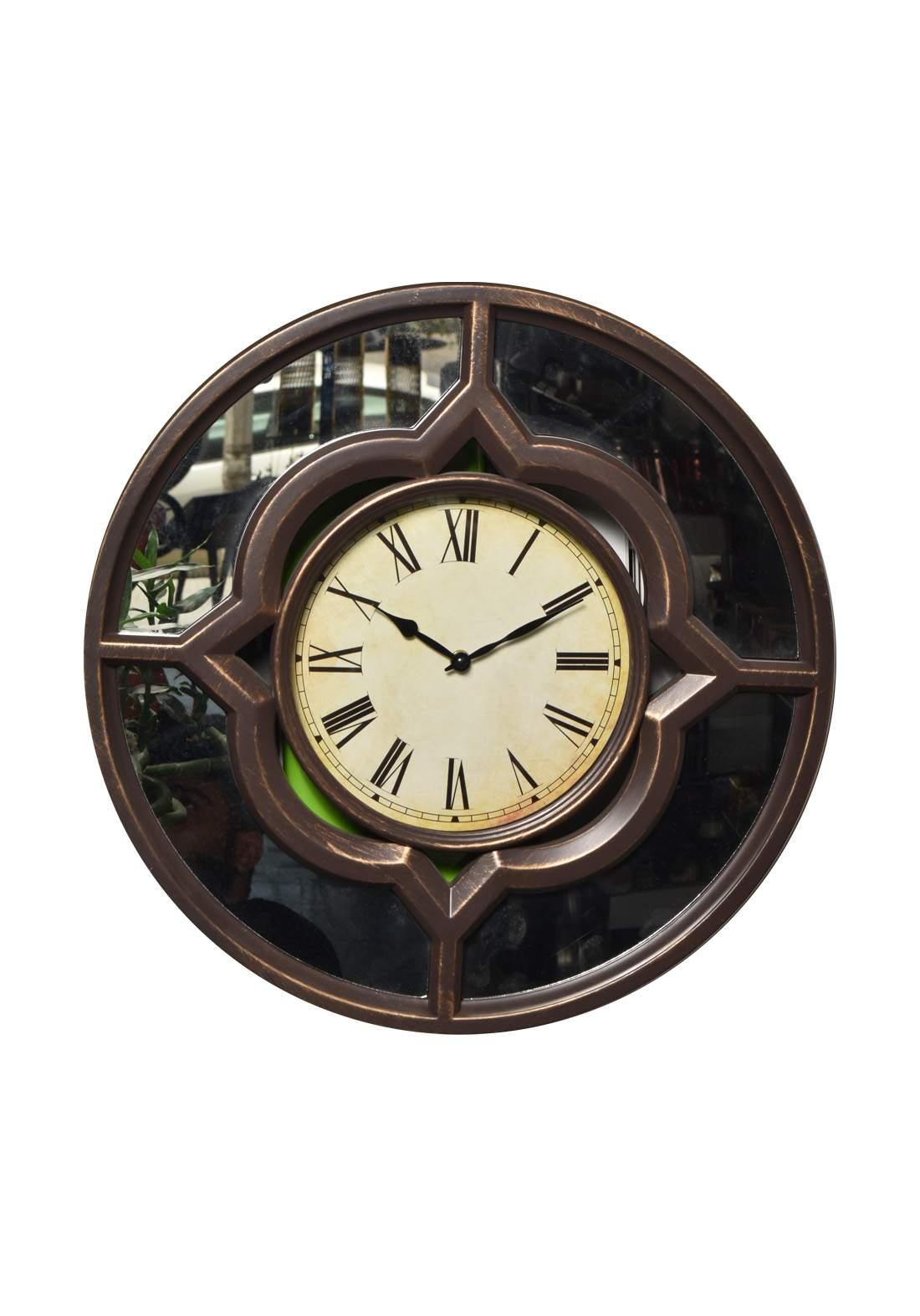 ساعة جدارية بني أللون