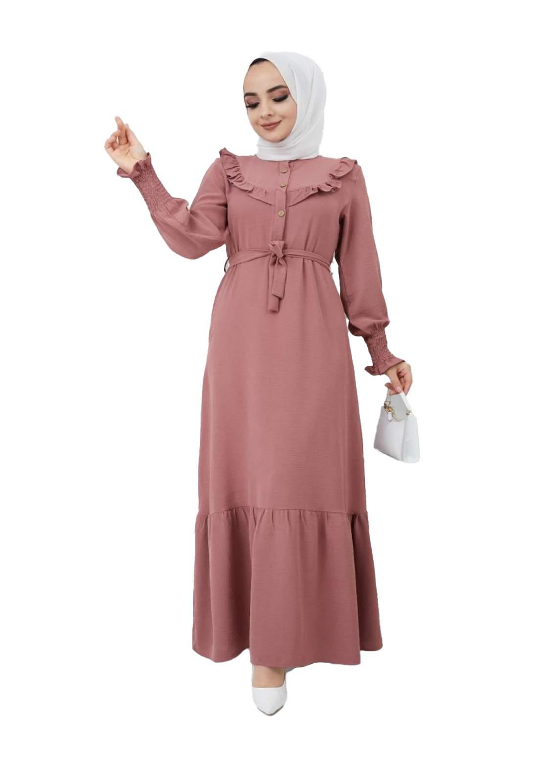 فستان نسائي وردي اللون