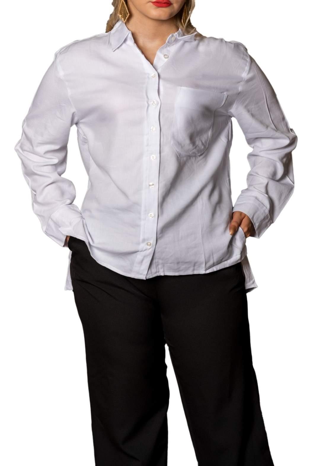 قميص نسائي ابيض اللون