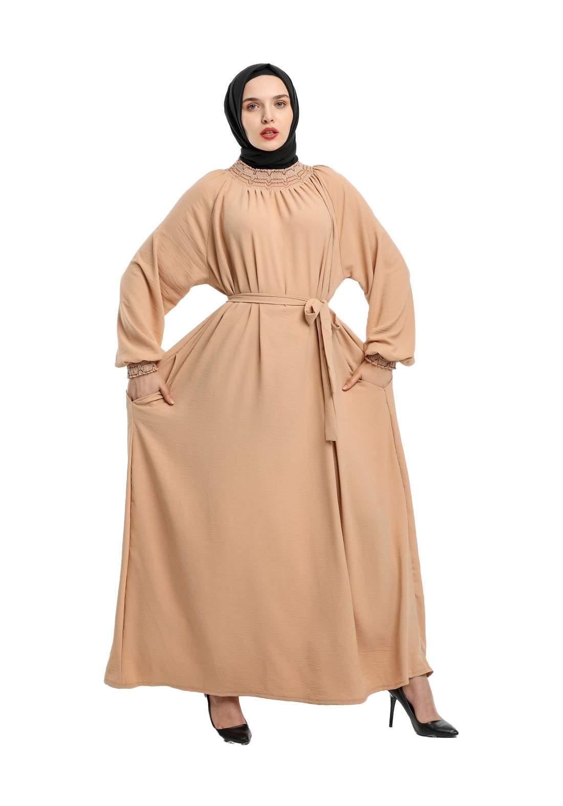 فستان نسائي بيج اللون