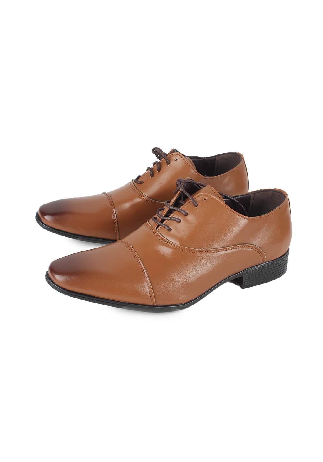 حذاء رجالي بني اللون