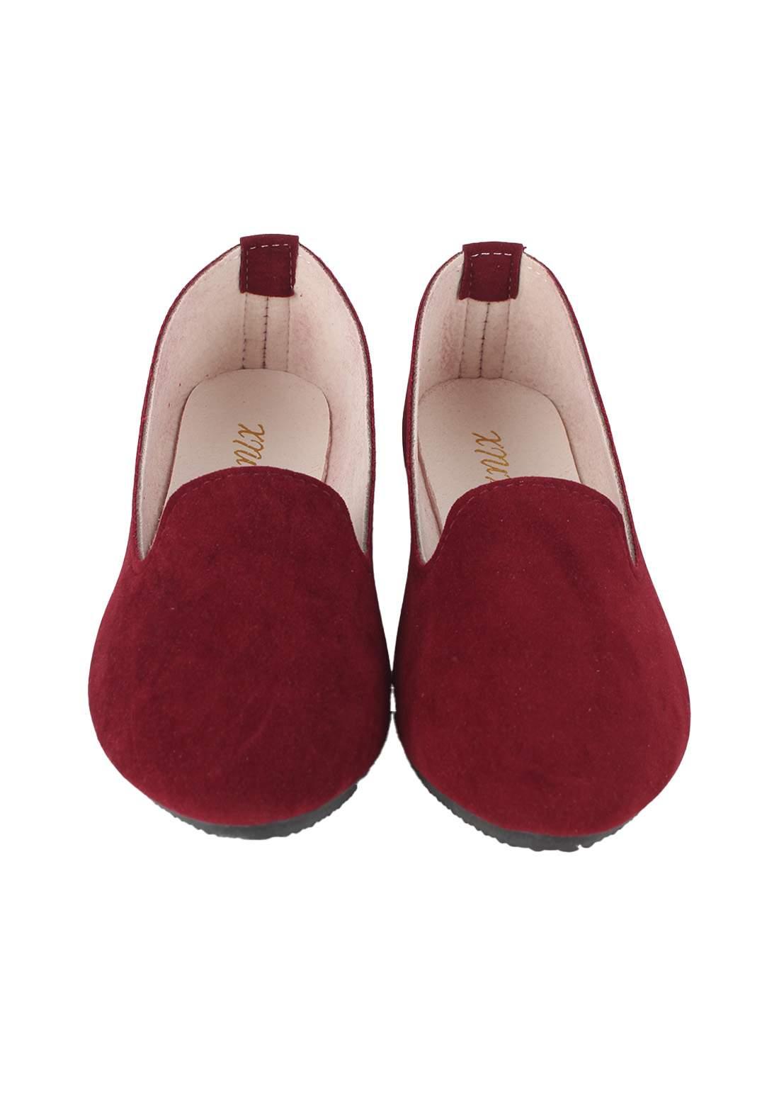 حذاء نسائي فلات ماروني اللون