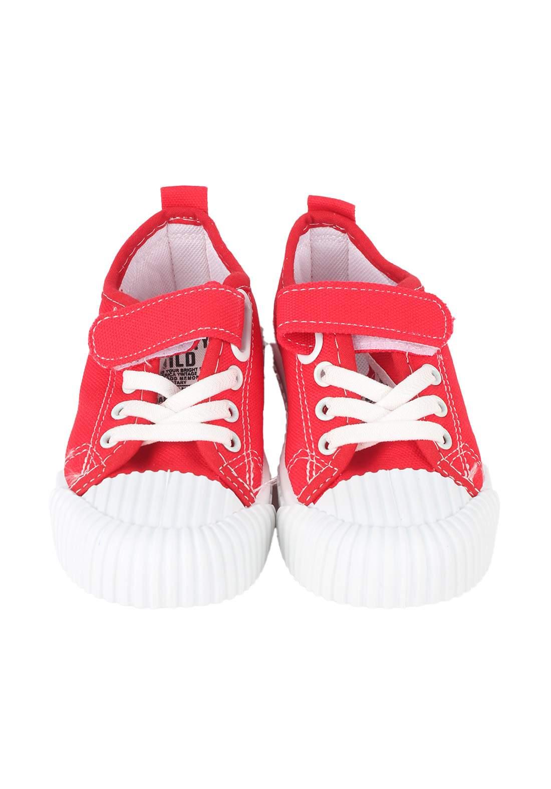 حذاء اطفال احمر اللون