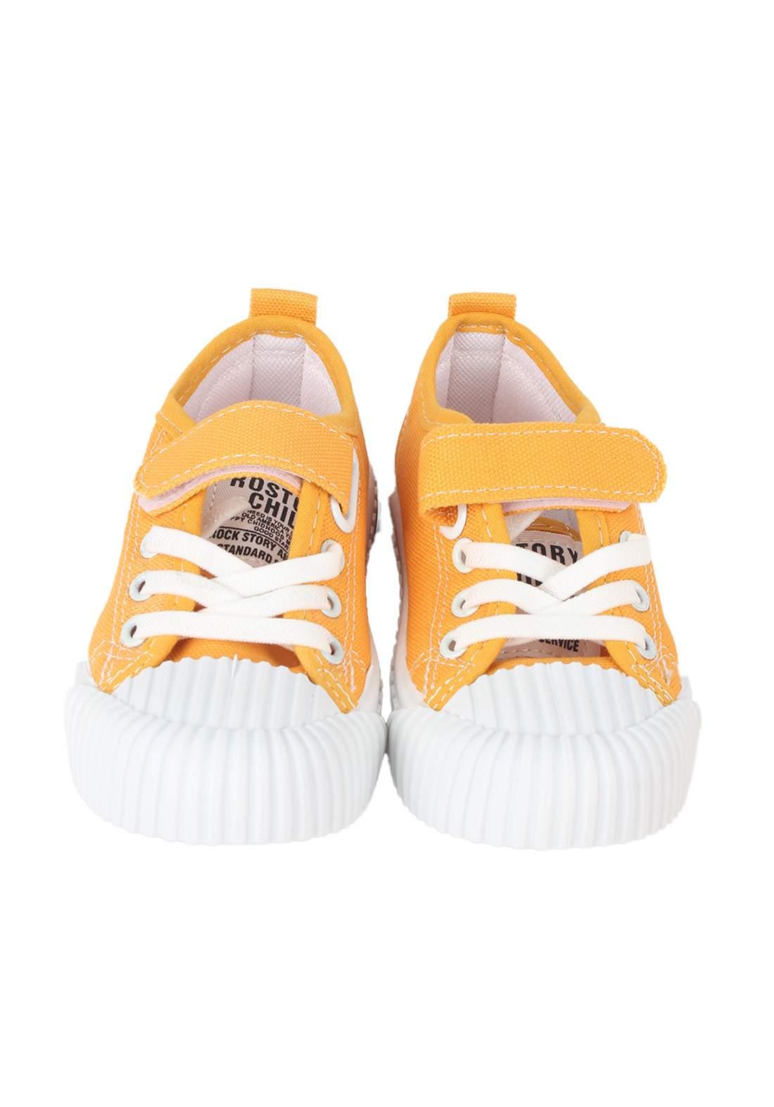 حذاء اطفال اصفر اللون