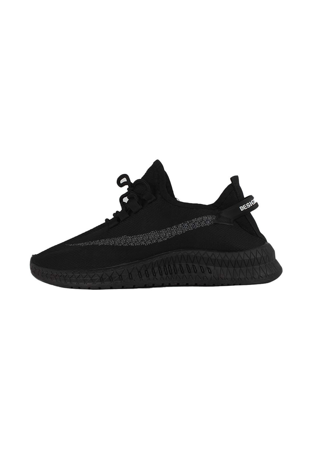 حذاء رجالي أسود اللون