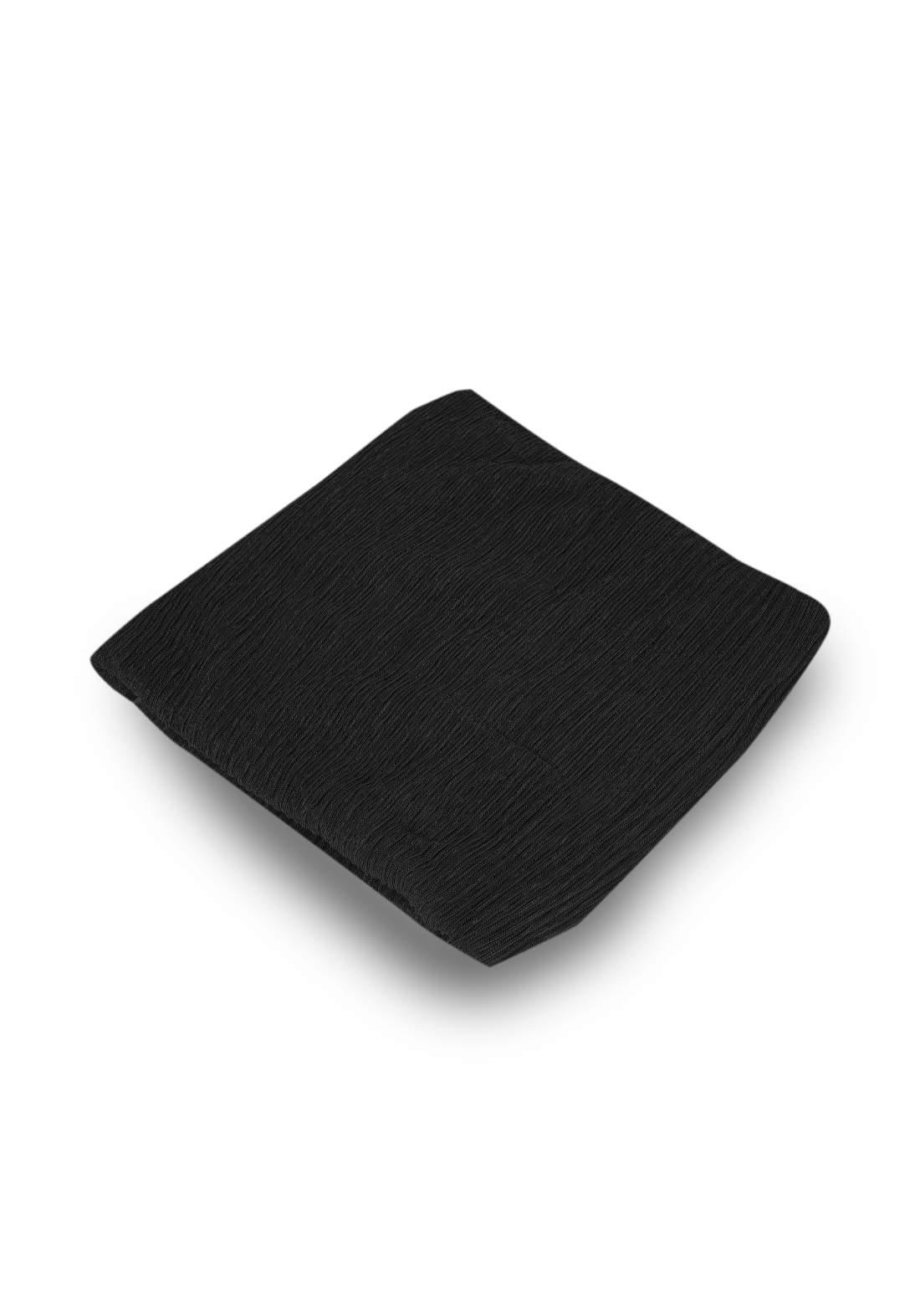 شال بلمعة أسود اللون