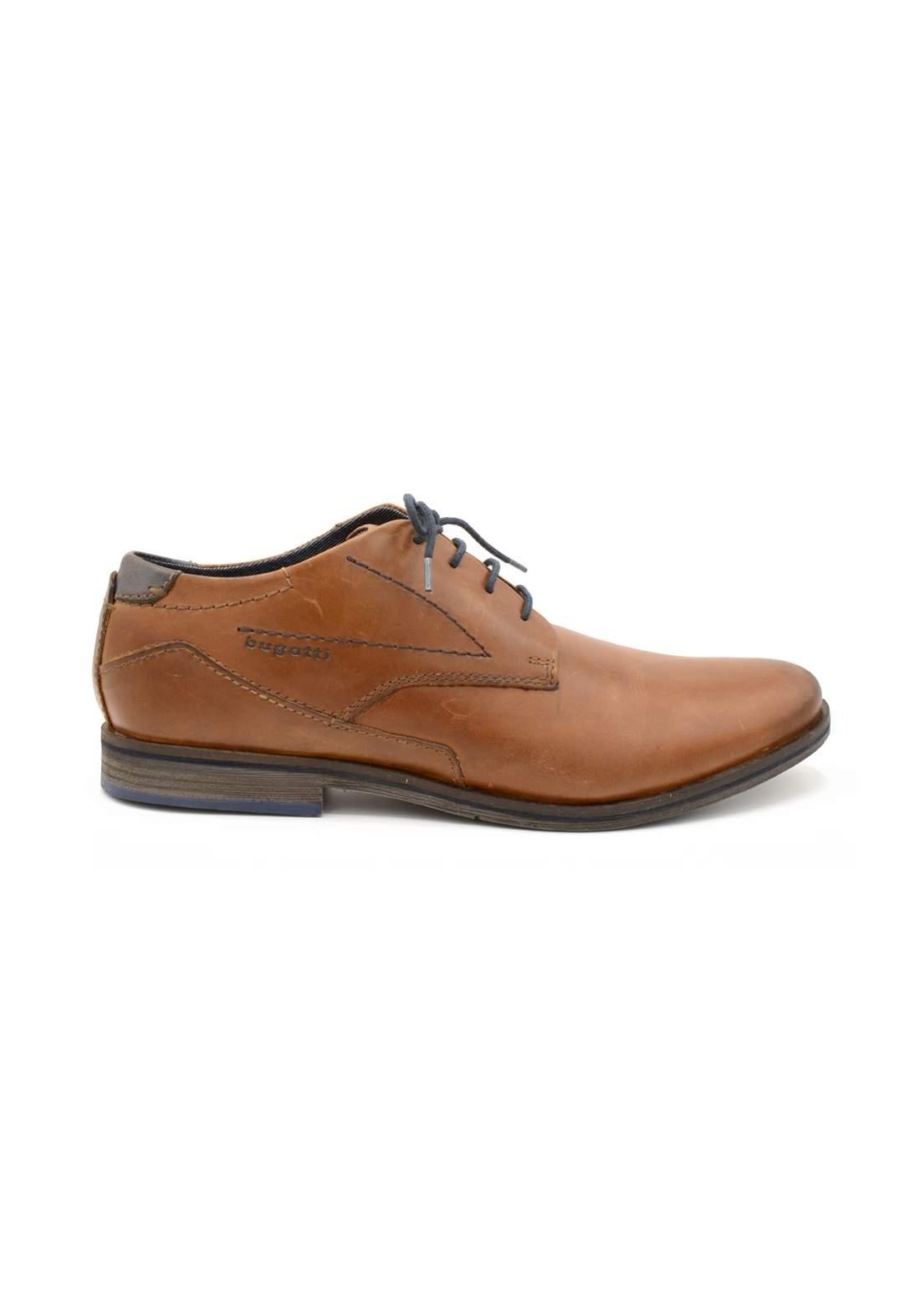 حذاء رجالي حني اللون من Bugatti