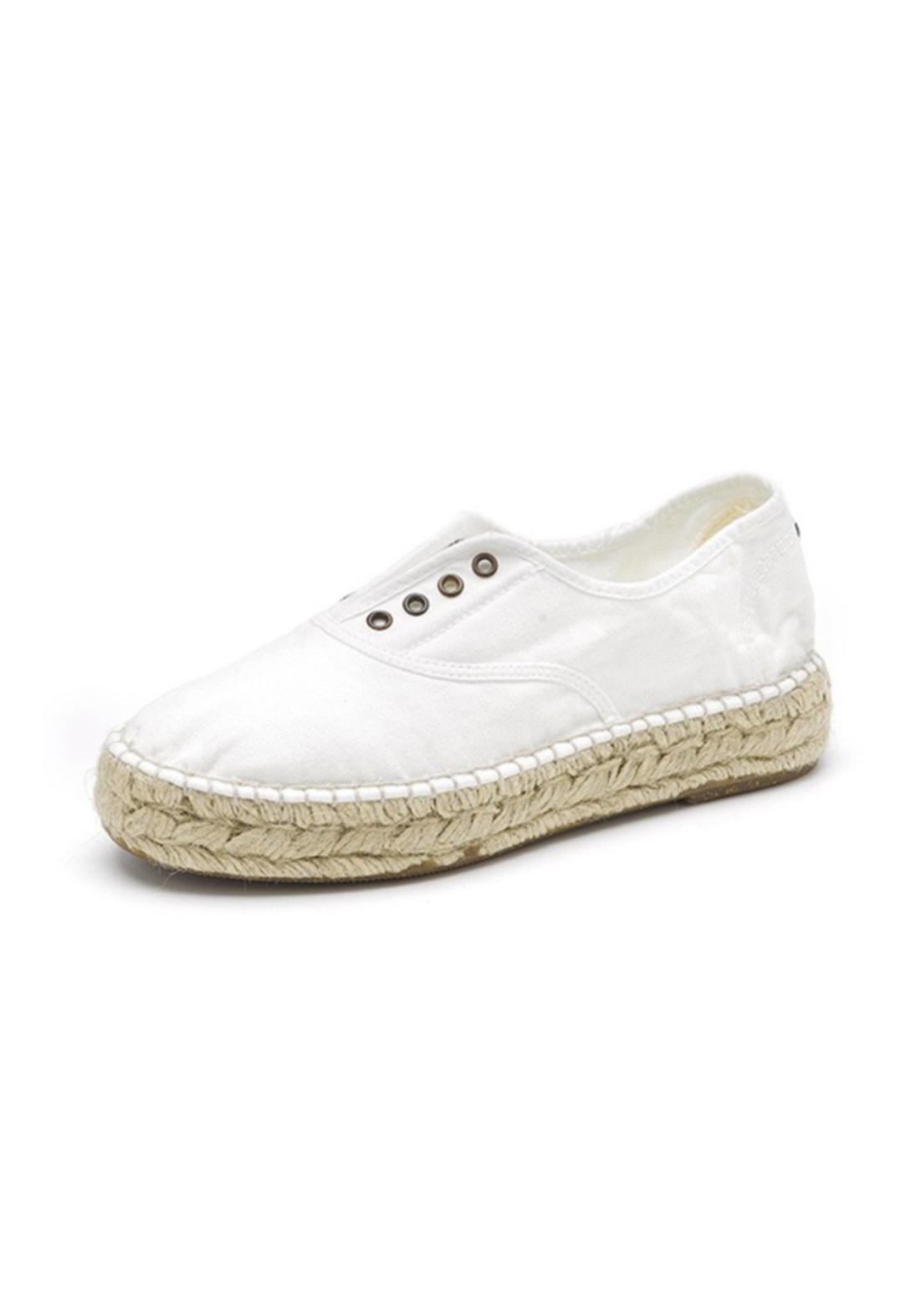 World Natural Eco حذاء كاجول ابيض اللون من