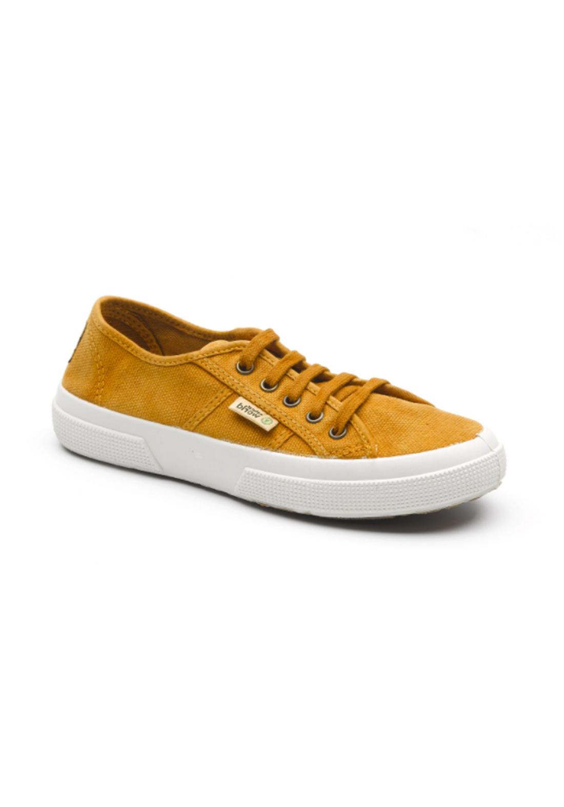World Natural Eco حذاء كاجول اصفر اللون من