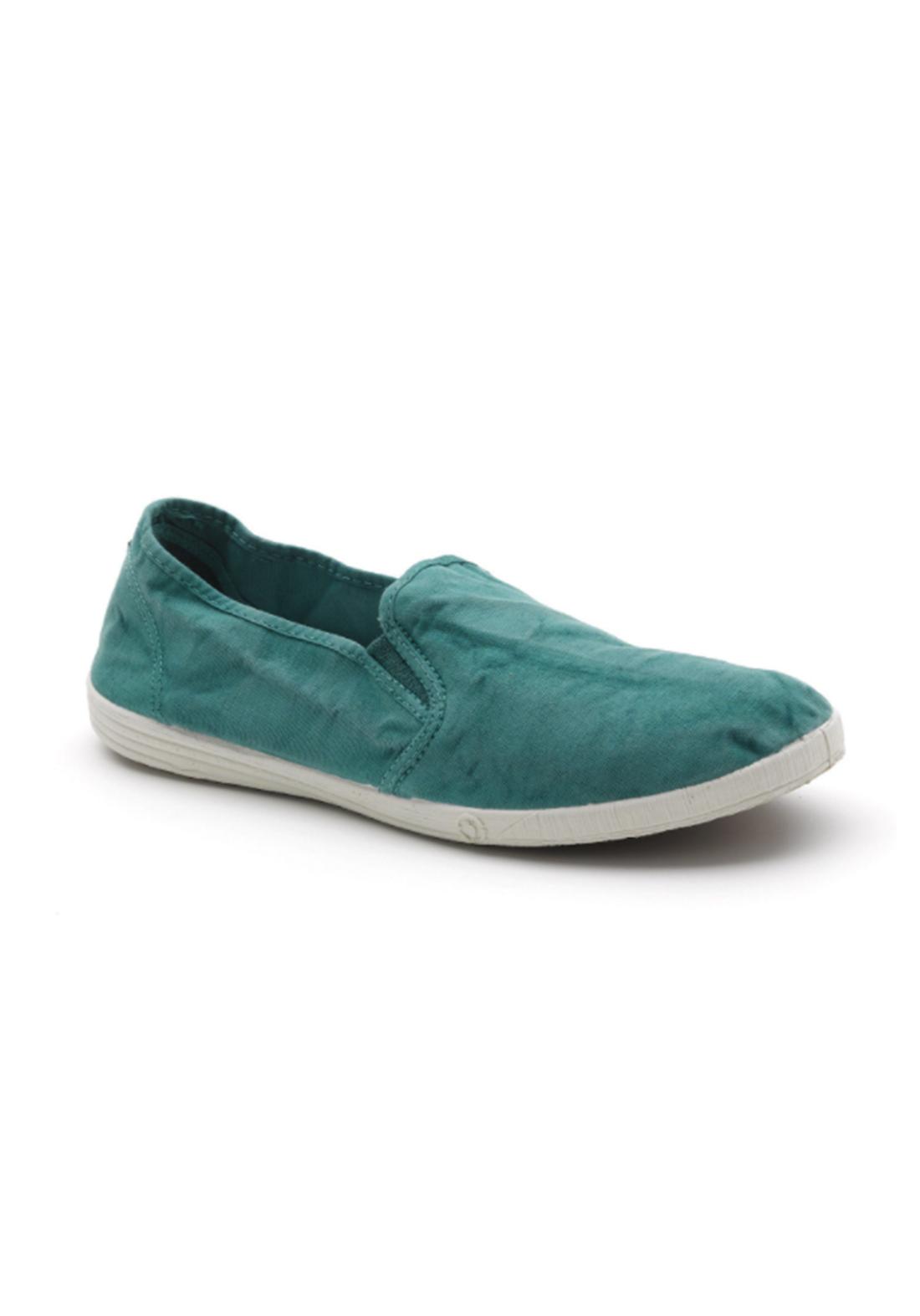 World Natural Eco حذاء كاجول اخضر اللون من